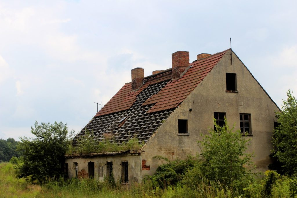 home_ruin_decay_old_dilapidated_broken-614053 (1)